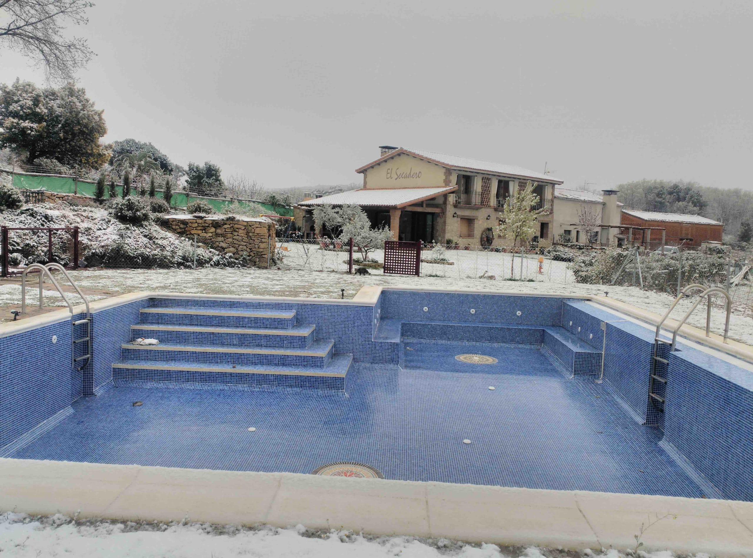 piscina_nevada